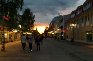 Solen går upp, ett fälttecken ska resas, för Lycksele och för Sverige och för världen